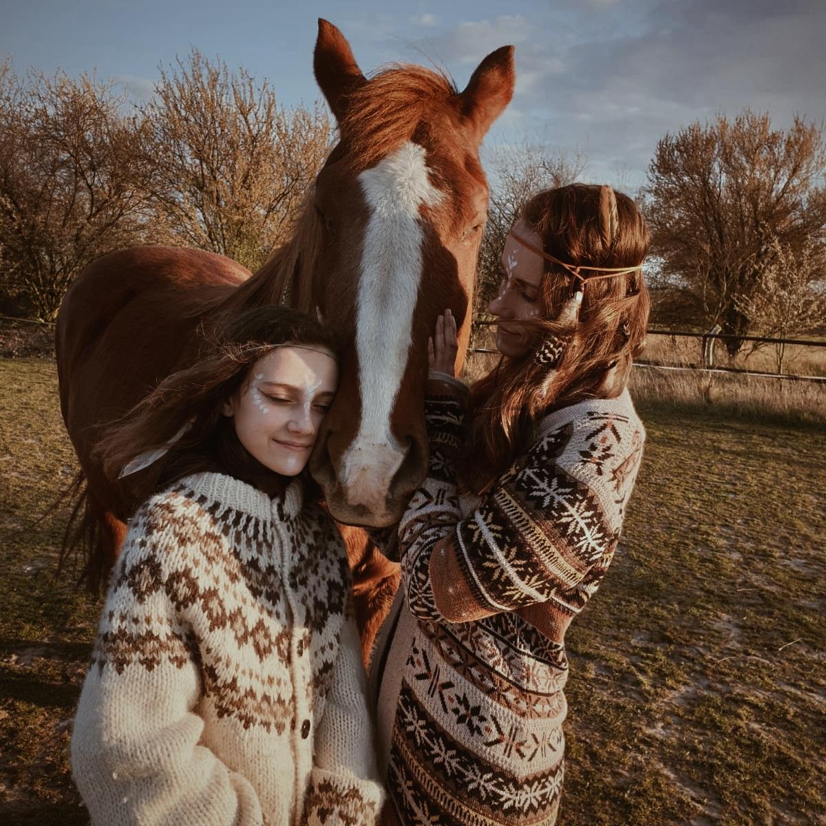 Peace Love & om Katja Wolf